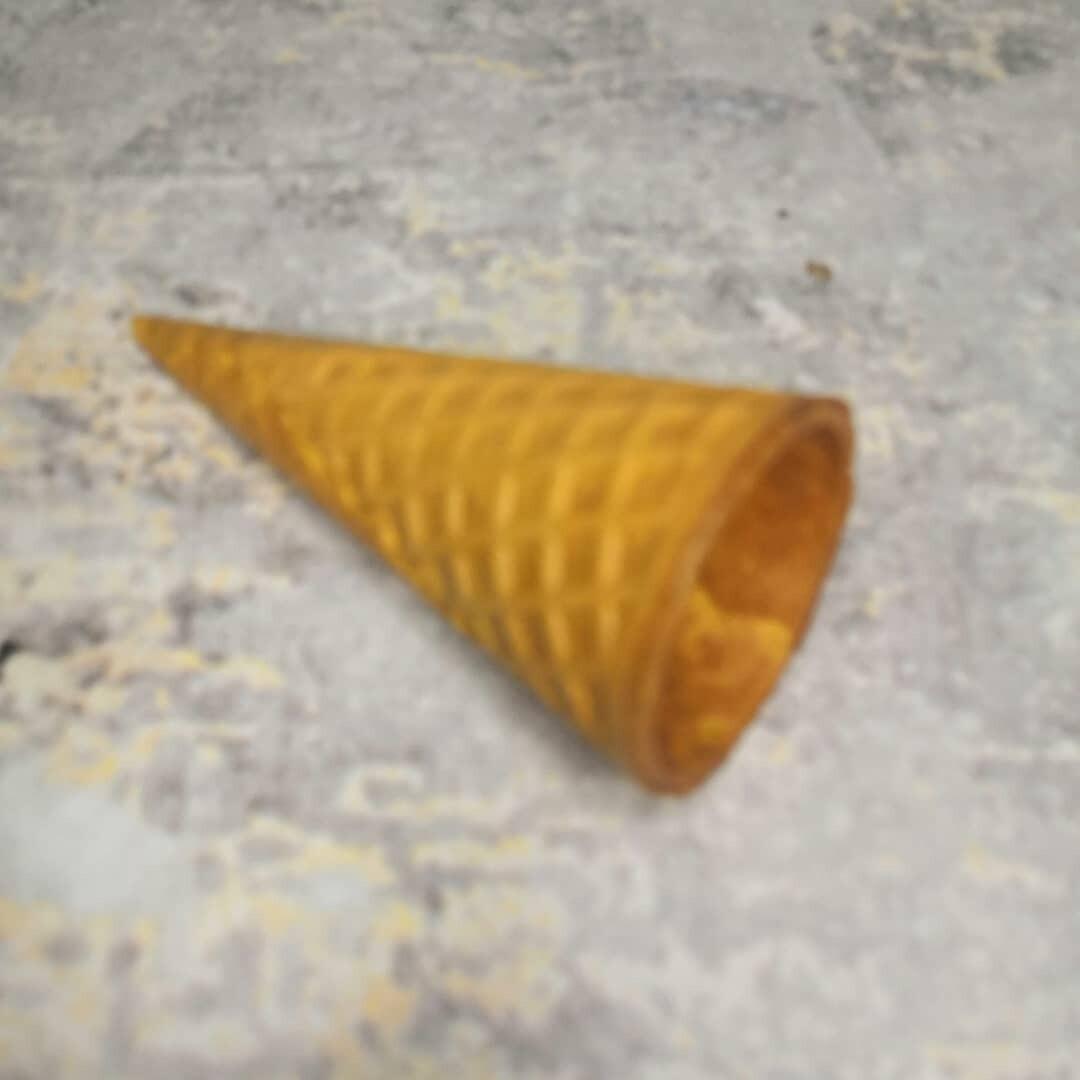 Вафельный рожок желтый ровный край 110 мм 1 шт
