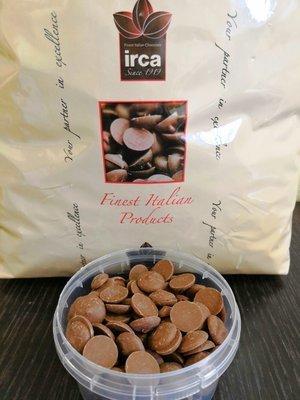 Шоколад молочный LATTE IRCA 30% 0.5кг