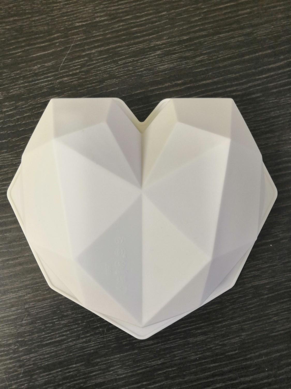 Форма силиконовая для муссовых десертов Сердце геометрия