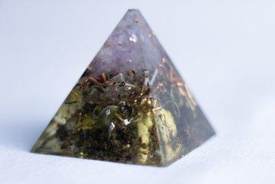 Wisdom Pyramid SOLOrgonite