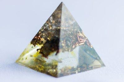 Clearing Pyramid SOLOrgonite