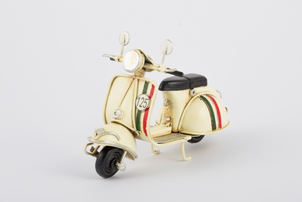 Bomboniera scooter vespa in metallo panna Pz. 4