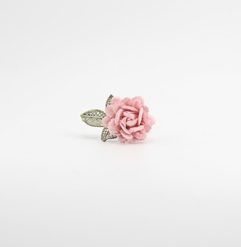 Applicazione fiore rosa imbottito con foglia ricamata Pz. 12