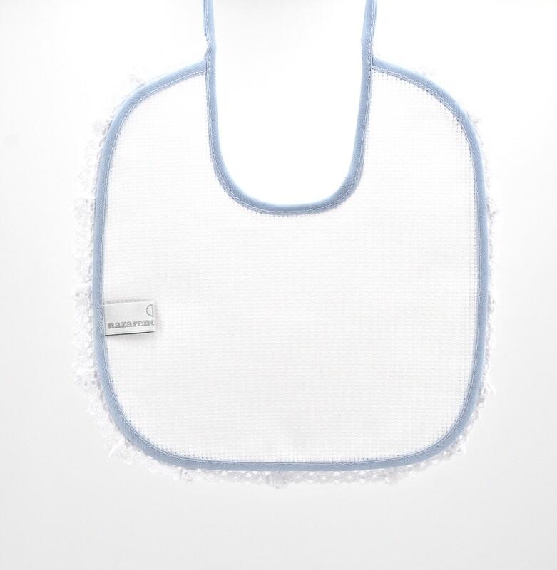 Bavaglino bianco in tela aida con bordi celesti più ricamo Pz. 1