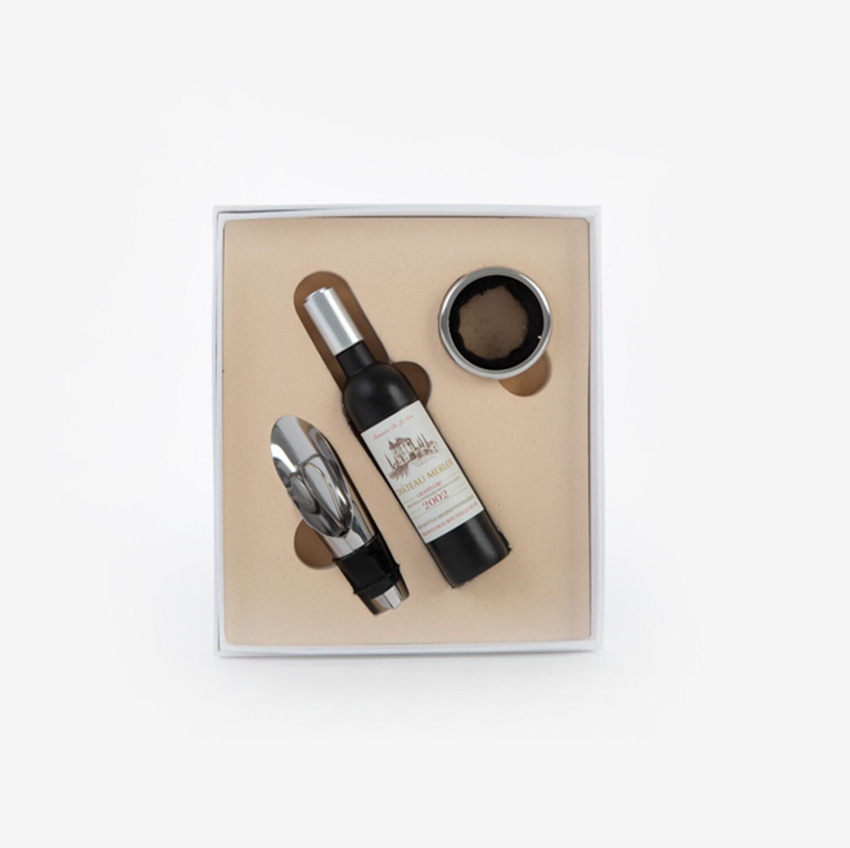 Bomboniera set tre pezzi accessori vino Pz. 1