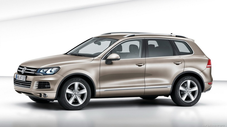VW Touareg NF 3.0TDI CASA EDC17CP44 1037556901 7P0907401C 0011