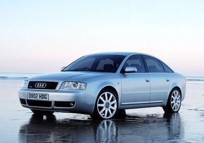 Audi A6 C5 3.0i ME7.1 0261208242 1037368312