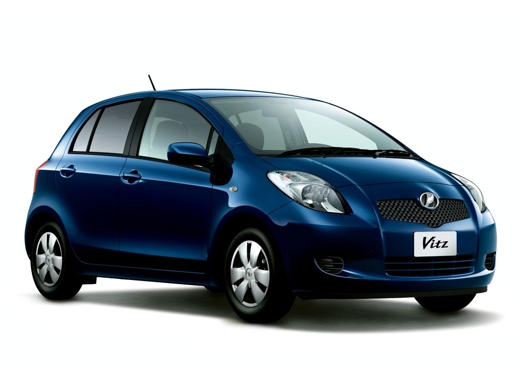 Toyota Vitz 1.3 2SZ-FE Denso 89663-52824