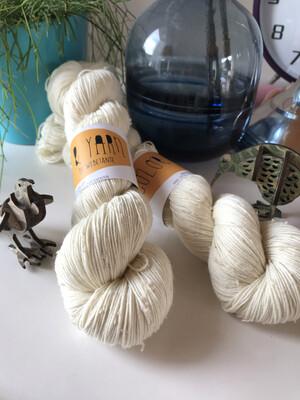 Merino Donegal Nep - white 4/17 NM 425 m / 100 G
