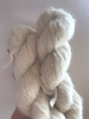 Baby Suri Alpaca Mulberry Silk 1/6 NM 600 m 50g