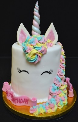 Deep Unicorn Cake 6