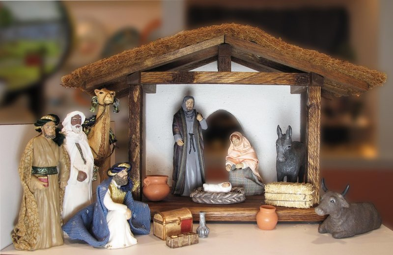 12 Piece Deluxe Nativity Set