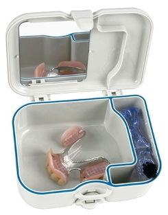 Контейнер для хранения протезов + щетка Miradent Protho Box