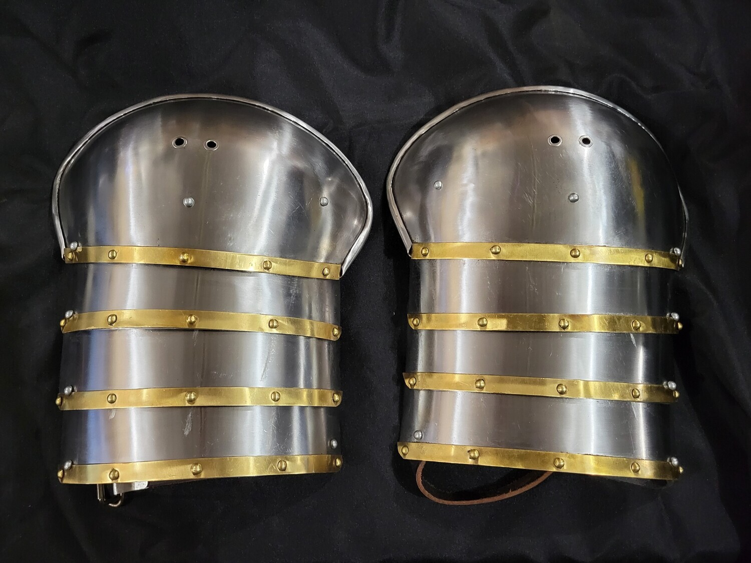 (HBC) Late 14th Century Style Shoulder Armour