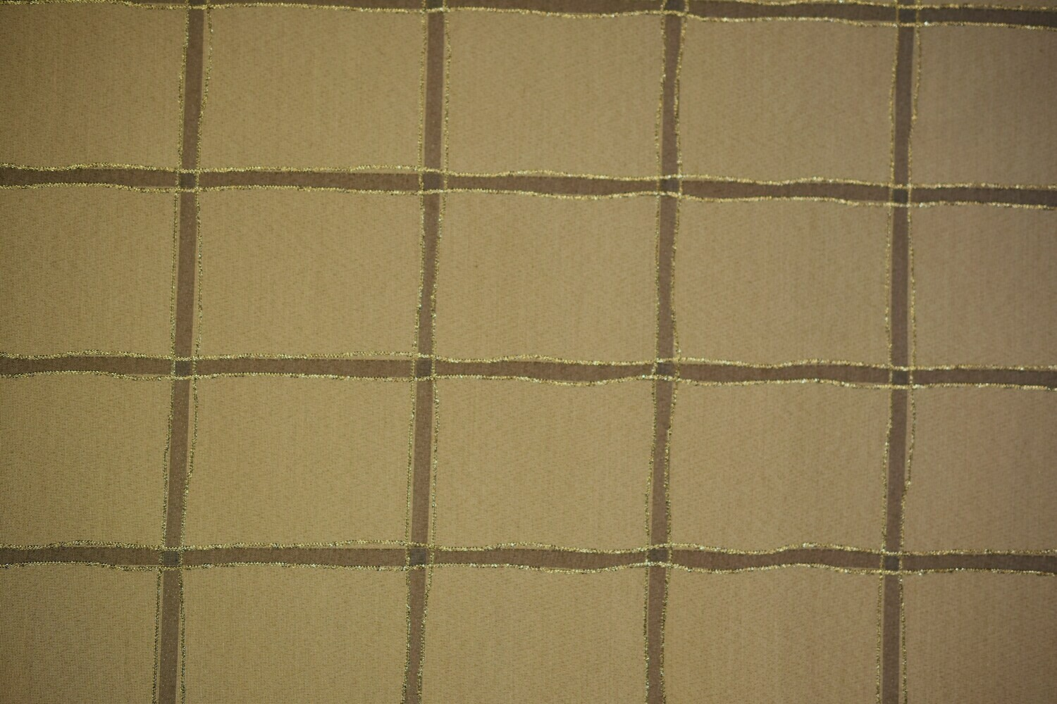 Frascata Square-Gold  (Gold Thread in Pattern)
