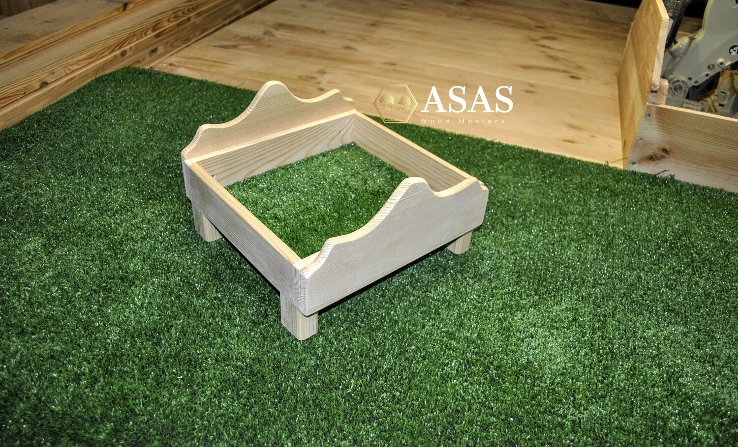Wooden bed with cover for guinea pig, chinchilla, ferret