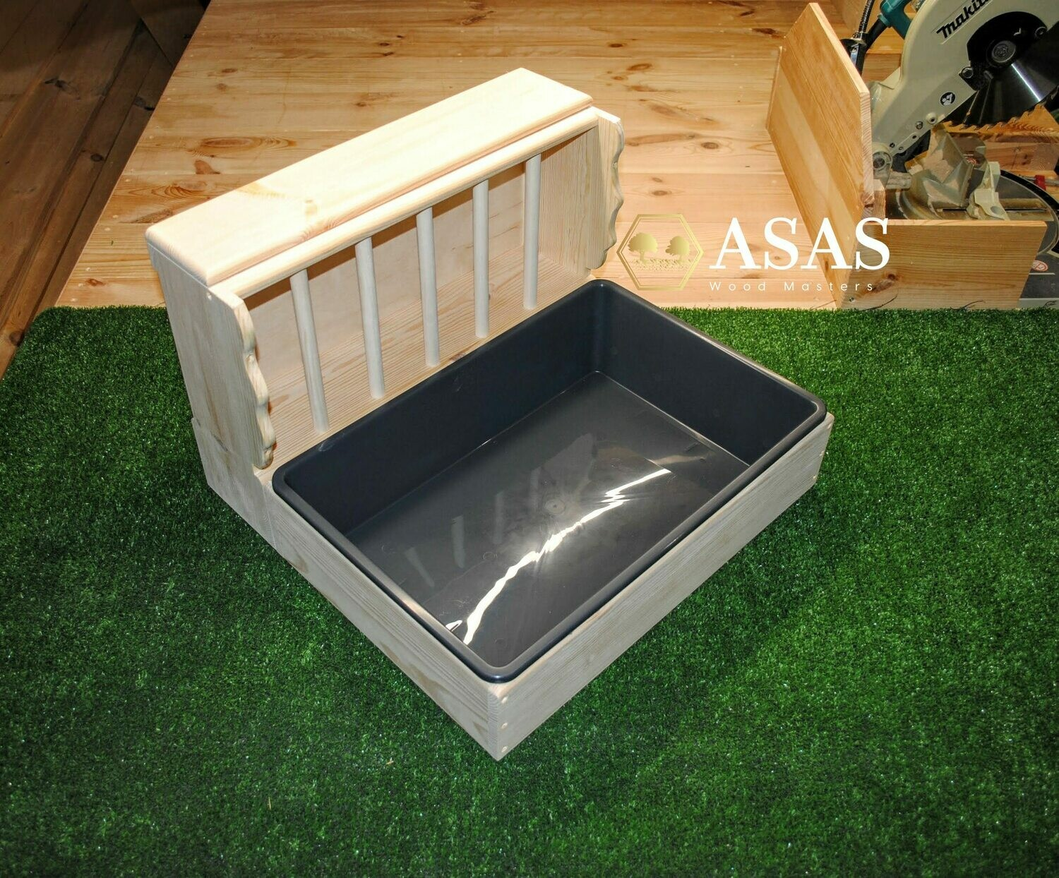 Bunny Rabbit Hay Feeder With Litter Box / LARGE