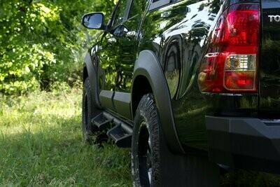 Расширители колёсных арок (вынос 25мм) Toyota Hilux 2015-2018 (VIII дорестайлинг)