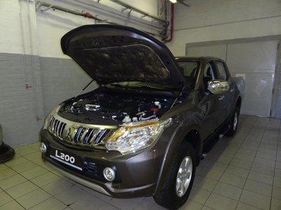 Установочный комплект амортизаторо (упоров) капота для Mitsubishi L200 (V, 2015-)