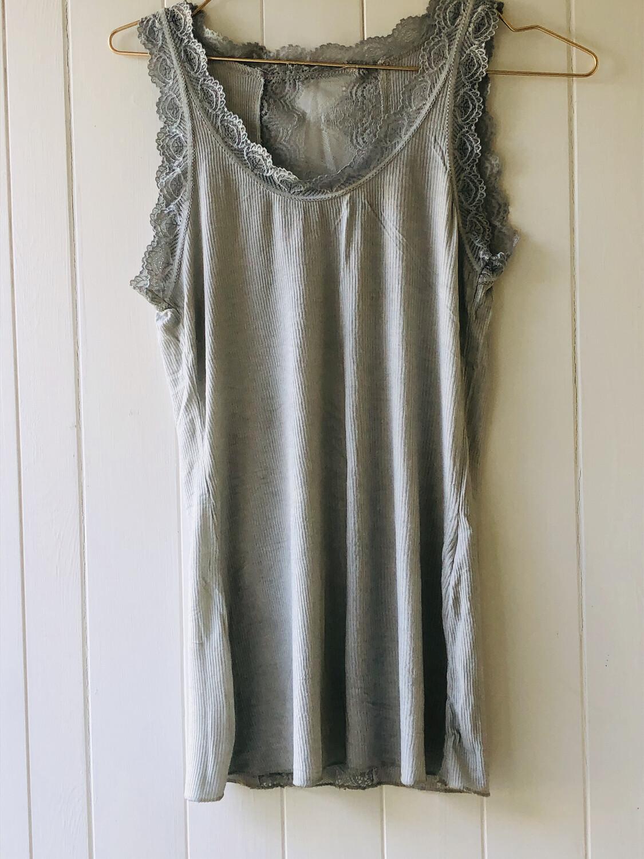 Lola Vest Grey