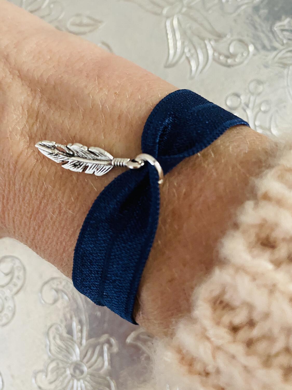 Feathers Stretch Bracelet