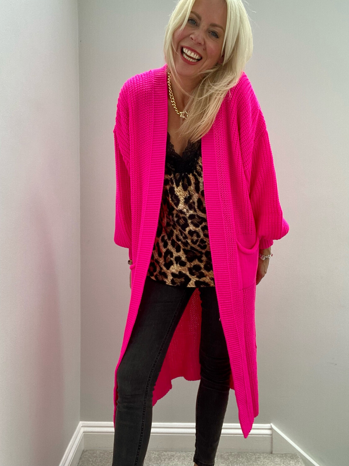Maddie Longline Knitted Cardi Neon Pink (SLIGHT FAULT SEE DESCRIPTION)