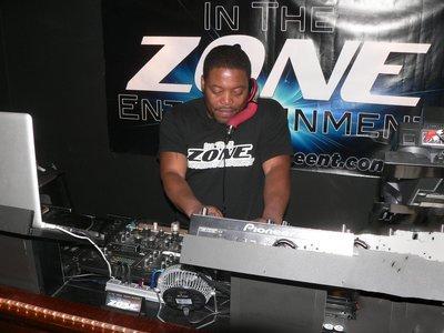 In The Zone T-Shirt Men's,  L, XXL Black