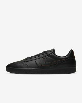 Nike SB Team Classic Premium