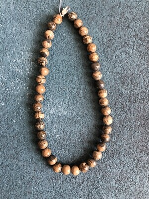 Sengilite stone necklace Ø 11 mm