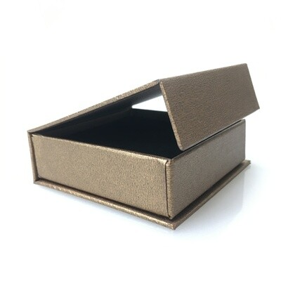 Cardboard box with magnet for jewelry