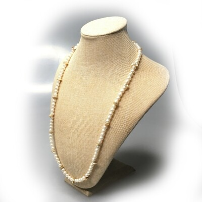 Beads made of colored Mother of Pearl