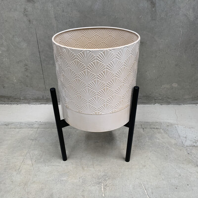 WHITE METAL PLANTER WITH STAND - LARGE
