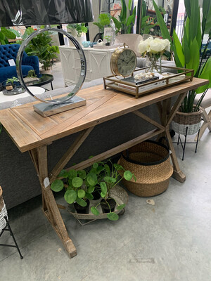 COUNTRY STYLE CONSOLE