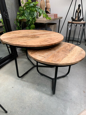 NESTED SET/2 WOOD COFFEE TABLES