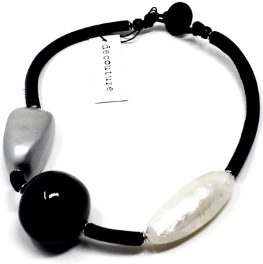 Necklace-Decouture Black and White Short
