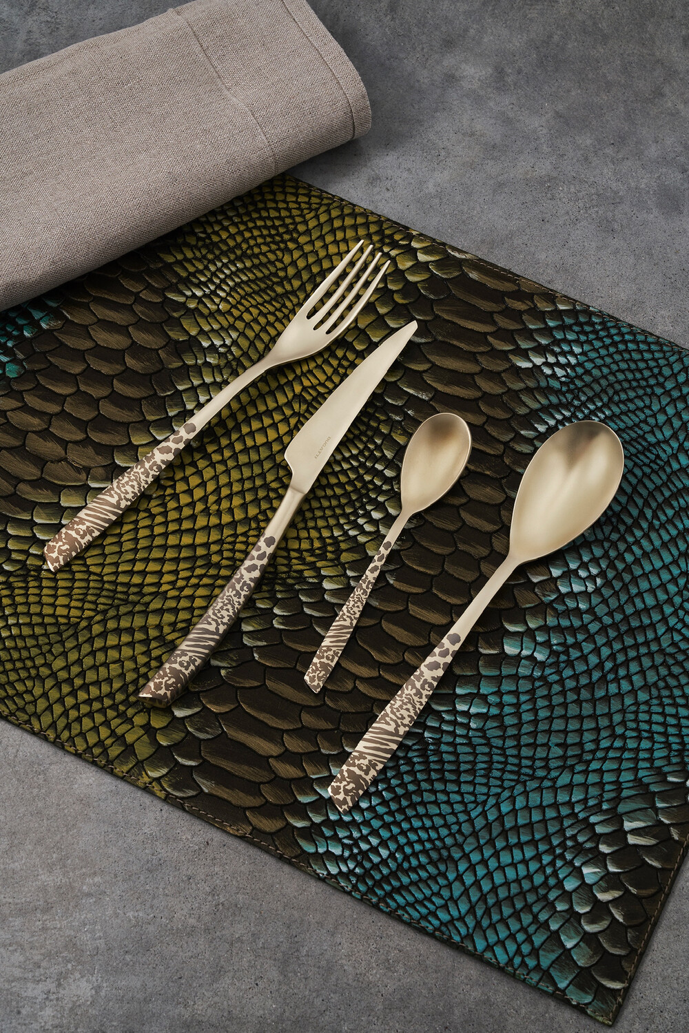 Riviera Animal Print Matte     5 Piece Place Setting