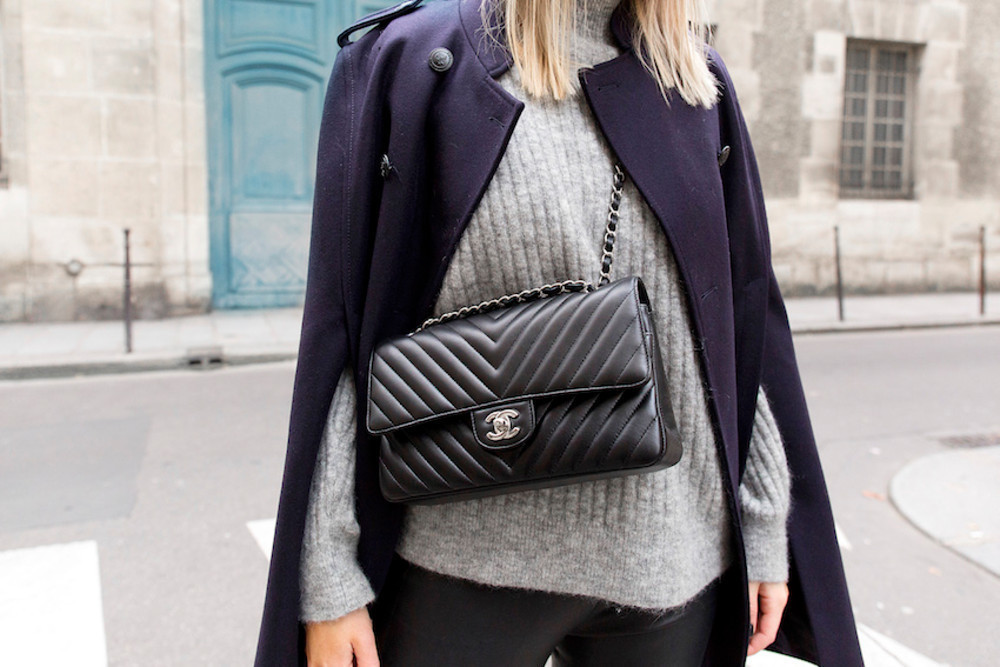 PRE ORDER  1:1 Chanel 2.55 CHEVRON Double Flap - Small / Med Caviar Leather - Silver HW