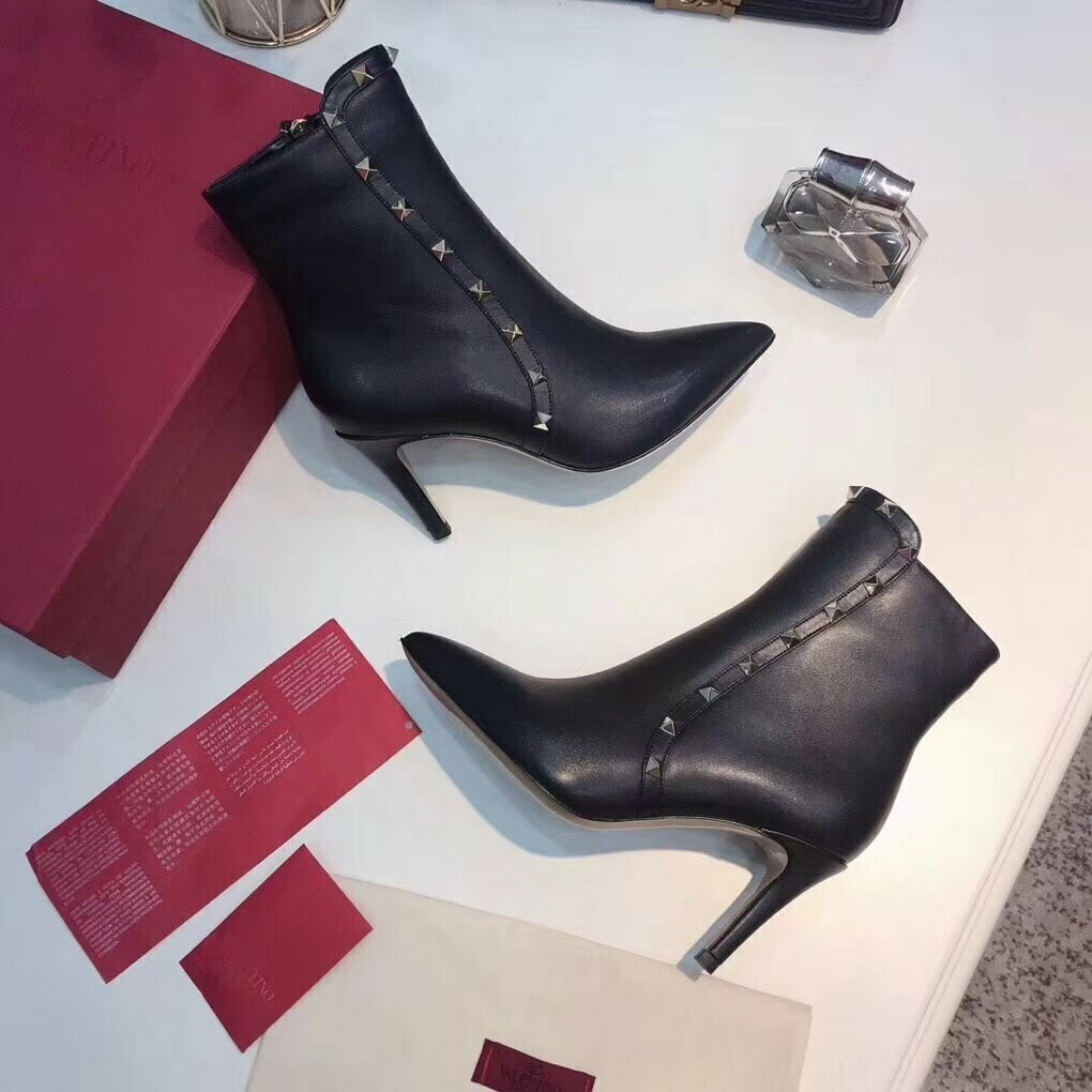 PRE ORDER 2019 Fall / Winter WOMEN Boots / Booties Valentino YSLChanel LV Fendi Jimmy Choo Gucci Stewart Weitzman