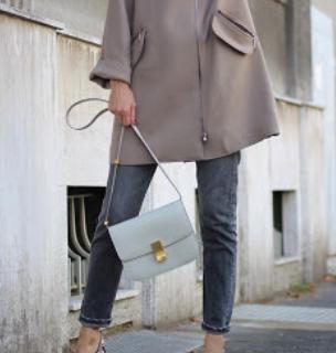 IN STOCK - 1:1 Céline Classic Box Bag Medium-  Light Gray CELINE