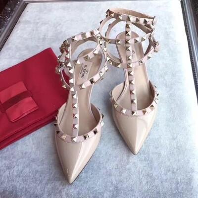 IN STOCK 1:1 Valentino Rockstud Kitten 6cm Heels Size 6 and 8