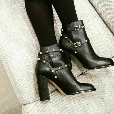 IN STOCK NOW - 1:1 Valentino Garavani Rockstud Leather Ankle Boots SIZE 35 / 5-5.5 US