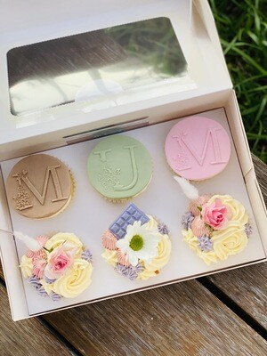 Mother's Day (MUM) Cupcake Gift Box  (Pre Order)