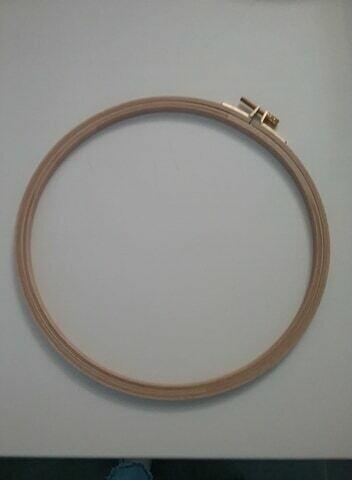 Borduurring hout - 22 cm