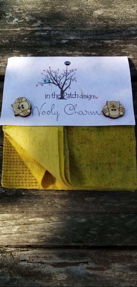 WOOLY CHARMS GEEL