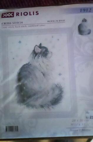 riolis 1912 snowy meow 24x30cm