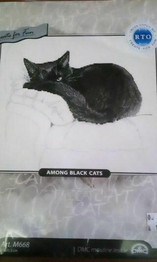 RTO M668 among black cats 27x23.5cm