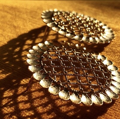 Sunflower Stud Large