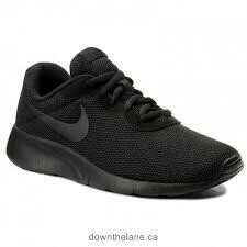 Nike 'Tanjun'' in Black