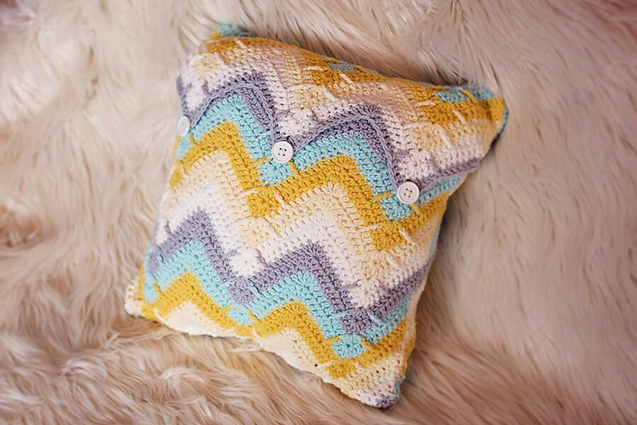 Mountain Peak Pillow Crochet Pattern