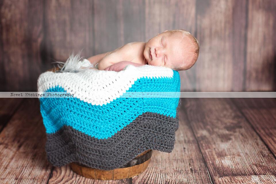 Simplicity Chevron Blanket Crochet Pattern